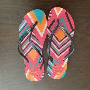 Havaianas | Women's Stripe Print Sandals (8)